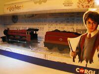 HARRY POTTER GIFT CORGI MODEL HOGWARTS EXPRESS TRAIN DIECAST PRESENTATION BOX