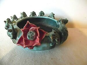 MAJOLICA 9 FROG & LILY PAD PLANTER WITH RED LILY