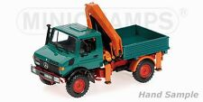 MINICHAMPS - 439033000 MERCEDES-BENZ UNIMOG 1300 L WITH LOADING CRANE 1:43 SCALE