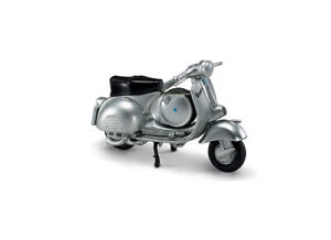 Vespa 150 GS (1955) in Silver (1:32 scale by New-Ray Toys 06043E)