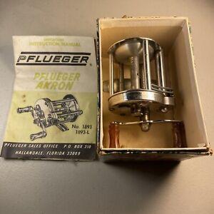 Pflueger Akron No. 1893L - Baitcasting Fishing Reel - Box & Pamphlet