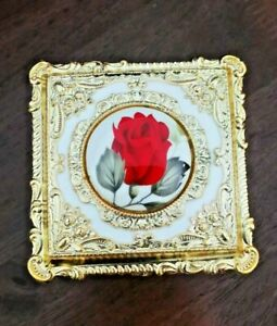 Luxury Jewellery Box Gold with Red Velvet Felt Lining