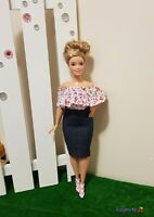 New Curvy ruffled  floral top and denim pencil skirt for your Curvy dolls