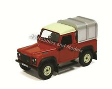 BRITAINS FARM Land Rover Defender 90 with Canopy (Red) 1:32 Scale - (42732)