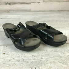 Dansko sz 40 Sela Crinkle Patent Leather Sandal Womens Black Slide Clogs