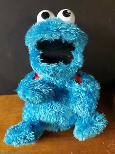 "Hasbro Sesame Street Count N Crunch Cookie Monster Blue Toy Plush 11"" Talking."