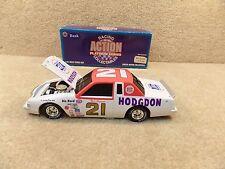 New 1995 Action 1:24 Diecast NASCAR Neil Bonnett Hodgdon 1982 T-Bird BW Bank #21