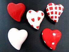 5 Dekorations - Herzen mit Karton, Rot/Weiß, Keramik, auch zum aufhängen