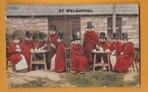 Wales- Welsh Women at Welshpool.  Novelty Pull out  Postcard