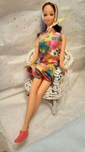 1971 Mod Era Walk Lively Barbie Brunette