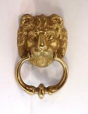 Bel Heurtoir de style tête de lion en bronze poli; Bronzes d'ameublement