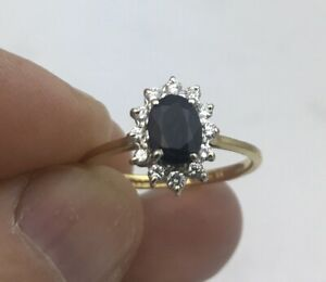 Stunning 18k Gold Sapphire & Diamond Ring.  Size M 0.25 Carats