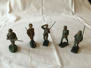5 vintage Leyla, Lineol and other composite toy soldiers.