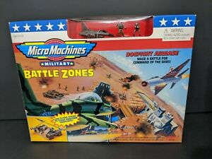 1997 GALOOB MICRO MACHINES BATTLE ZONES DOGFIGHT AIRBASE NOS NO. 65883