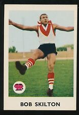 1965 Scanlens No. 17 Bob Skilton South Melbourne Swans Card Excellent