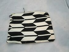 Black and White Canvas Arrow Print Make Up Cosmetic Makeup Bag Brand New