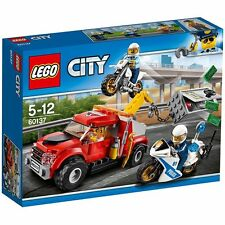 Lego 60137 Camión grúa en problemas