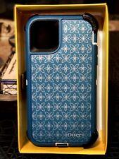 OTTERBOX iPHONE 11 DEFENDER SERIES (Retail: $60). 2 FREE SCREEN PROTECTORS!!!