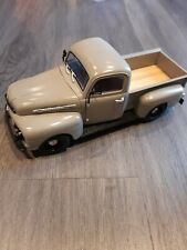 1:18 Scale 1951 Ford F1