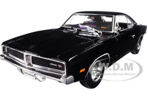 1969 DODGE CHARGER R/T BLACK 1/18 DIECAST MODEL CAR BY MAISTO 31387