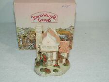1985 David Winter Cottages Suffolk House Figurine & Box