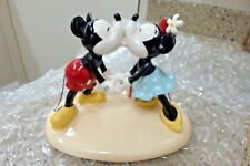 Walt Disney Showcase by Royal Doulton Mickey and Minnie Hugs and Kisses Figurine