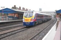 PHOTO  2002 CLASS 180 UNIT NO 180 113 AT NEWBURY RAILWAY STATION