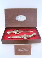 VINTAGE AVON TWENTY PACES GOLD PISTOLS IN BOX WILD COUNTRY & LEATHER COLOGNE