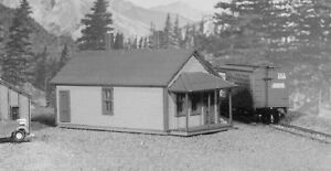 LaserKit American Model Builders  N Scale Kit #629 One Story Section House BTTG