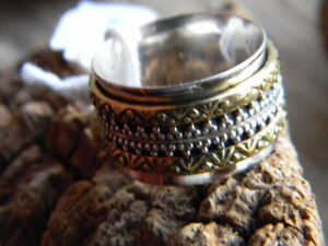 Sterling silver artistian made 2 tone spinner band ring size 7