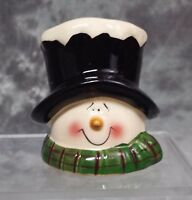 COLLECTIBLE COUNTRY SNOWMAN CHRISTMAS TREE CERAMIC ORNAMENT
