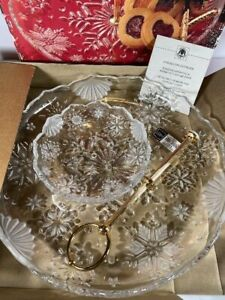 NOS MIKASA Crystal Snowflake 2 Tier Handled Crystal Tidbit Cookie Serving Tray