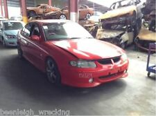 HOLDEN COMMODORE Vx SS LS1 5.7 GEN 3 V8 AUTO RED HOT WRECKING. RIGHT HEAD LIGHT