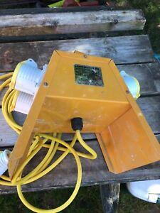 Used Distribution Unit / Splitter Box 4-Way 16A Plug 110V E13104 - Herefordshire