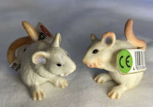 Schleich #14406 2 X White Mice With Original Tags RETIRED