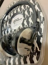 2XL Skullcandy Shakedown Headphones in White and Black  X5SHCZ-816
