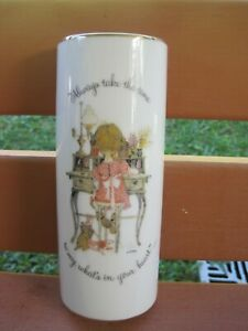 """VINTAGE HOLLY HOBBIE WALL VASE """"ALWAYS TAKE THE TIME TO SAY WHAT'S IN YOUR HEART"""