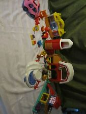 Fisher Price little people Market Barn Farm train station pond van playground g5