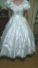 ein Brautkleid/Kostüm in weiß Gr 48/50/52 mit Zubehör