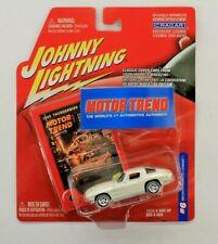 Johnny Lightning Motor Trend 1963 Chevy Corvette Stingray 1:64 Die-Cast