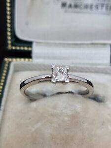 18ct/750 .20ct Princess Cut Diamond Solitaire