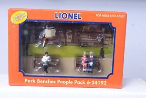 O Scale-LIONEL 6-24192 Park Benches & People Pack 6 Painted Pewter Figures NEW