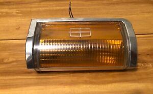 LINCOLN TOWN CAR 85 86 87 88 89 RH PASSENGER CORNER MARKER LIGHT AMBER OEM