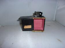 Alte Pfaff-Nähmaschine-50er Jahre-Modeladen-Puppenhaus-Puppenstube-1:12-selten