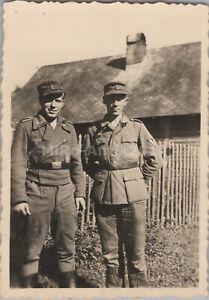 2 x Foto, Wk2, Panzermänner mit Stug Jacke  im August 1944 (N)50251