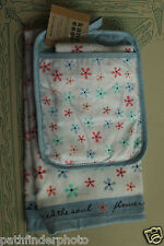 NIP KANE KITCHEN SET POT HOLDER TOWEL DISH CLOTH DAISY FLOWERS FEED THE SOUL