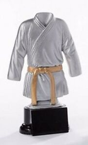 Judo/Karate-Pokal (Resin-Figur) mit Wunschgravur (39126)