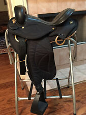 "18"" TN Saddlery Quilted Gaited Western Endurance Black"