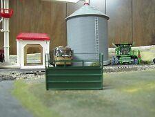 1/64 Custom Scratch-Cast Cattle Short Alley - Green
