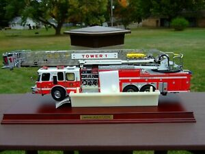 Franklin Mint 1/32nd Emergency One HP 105 Platform-PAPERS & BOX-EXCELLENT-